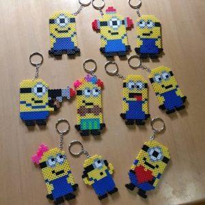 Hama Beads Minions llaveros